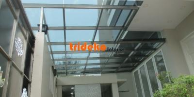 Canopy Kaca Minimalis dengan Rangka Stainless 304